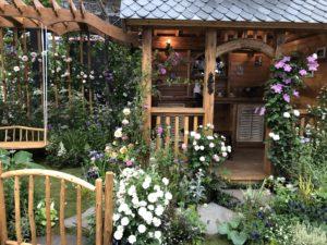 玄関まわりがステキな庭
