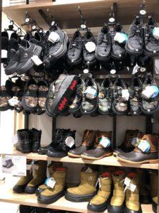 ワークマンプラスの靴